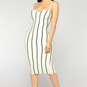 Striped Black Stetchy Body Con Midi Dress Medium